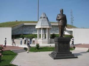 10 spomenici